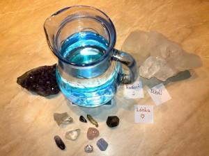 Voda akrystaly